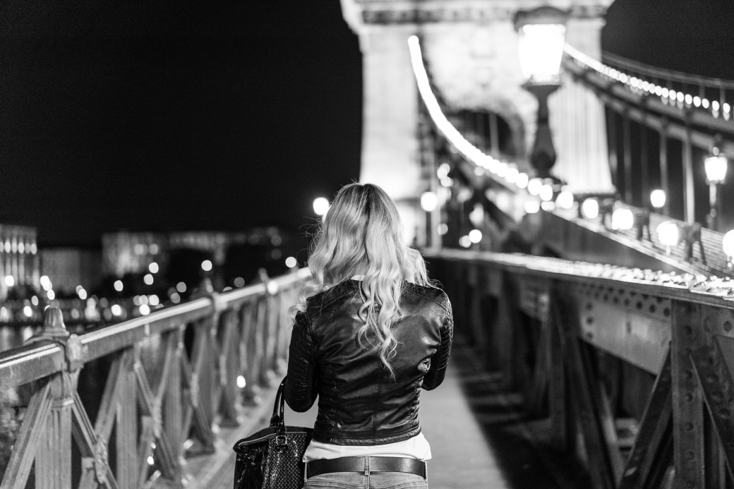 blonde-girl-walking-on-chain-bridge-in-budapest-picjumbo-com